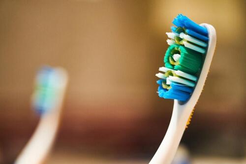 спасение от зубной щётки