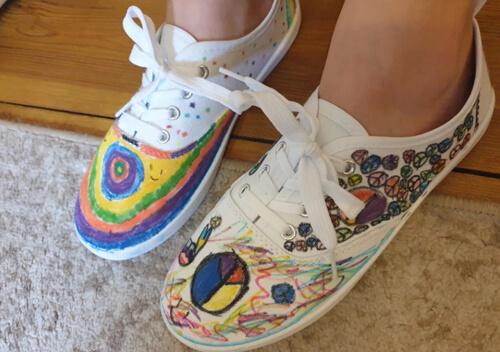 развлечение детей с помощью обуви