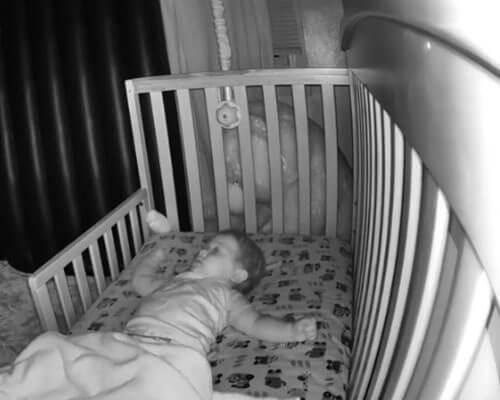 паранормальная сущность в спальне