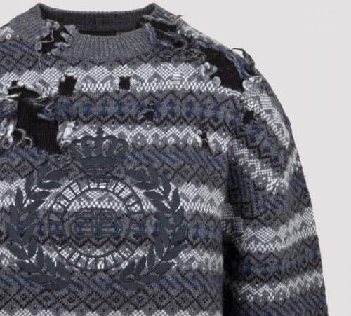 свитер погрызли крысы