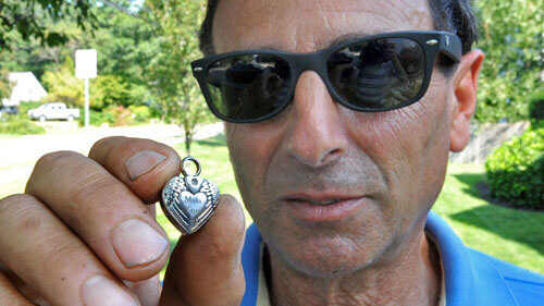 медальон с прахом отца