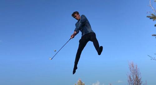 прыжки на батуте и игра в гольф