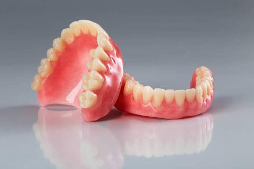 утраченный зубной протез