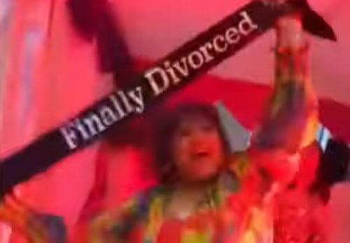 яркая вечеринка в честь развода