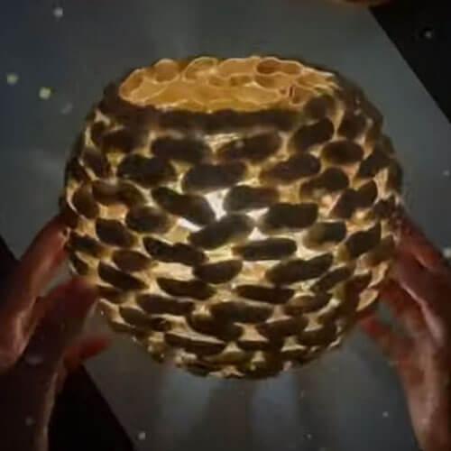 светильник из арахисовой скорлупы