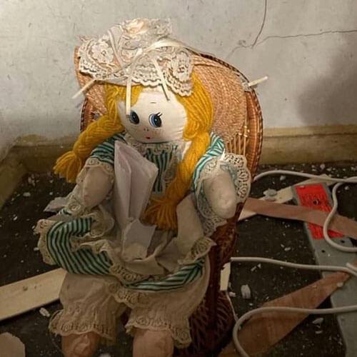 жуткая кукла и злобная записка