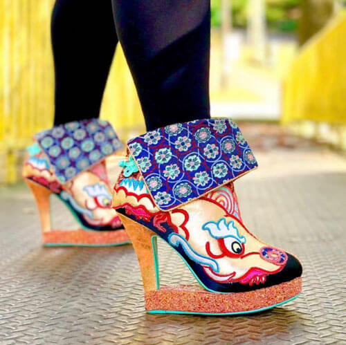 коллекция причудливой обуви