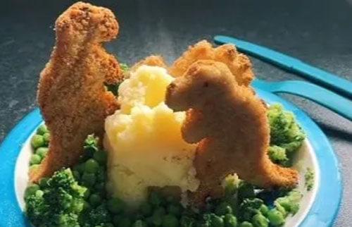 шоу с динозаврами за ужином