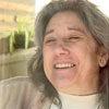 """Женщина 13 лет живёт в стеклянной """"клетке"""", не имея возможности обнять мужа и детей"""