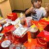 ребёнок заказал щедрый обед